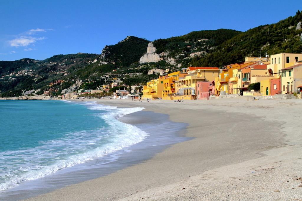 Matrimonio Spiaggia Varigotti : Varigotti estate e inverno in kayak
