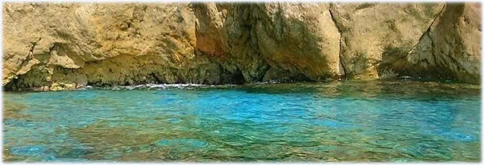 Da luglio siamo anche a Varigotti!  Gite in canoa fino alle falesie di Capo Noli
