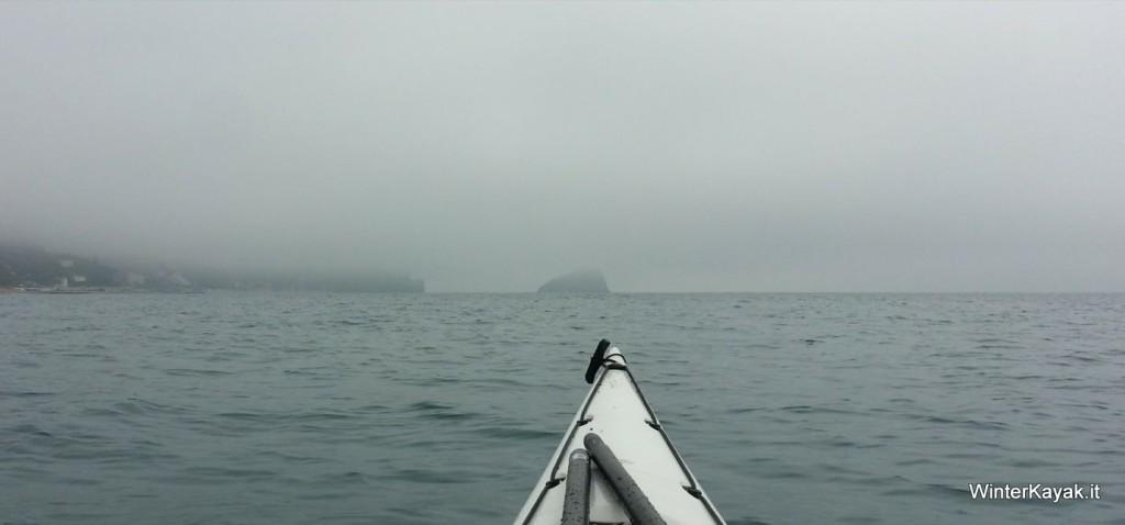 isola di bergeggi nebbia-001